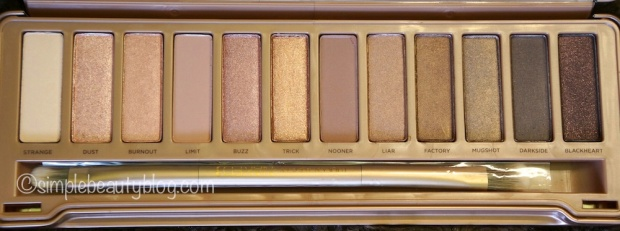 Urban Decay Naked 3 in all it's rosy-gold glory